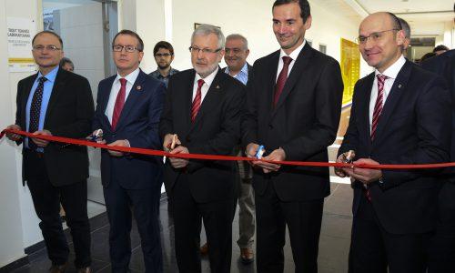 Oyak Renault'dan Uludağ Üniversitesi Otomotiv Mühendisliği Bölümü'ne Otomotivde Uzman Mühendisler İçin 3 Yeni Laboratuvar Desteği