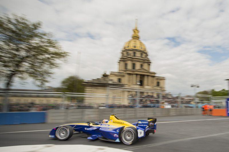 Renault e.Dams Paris Caddelerinde Puan Aldı