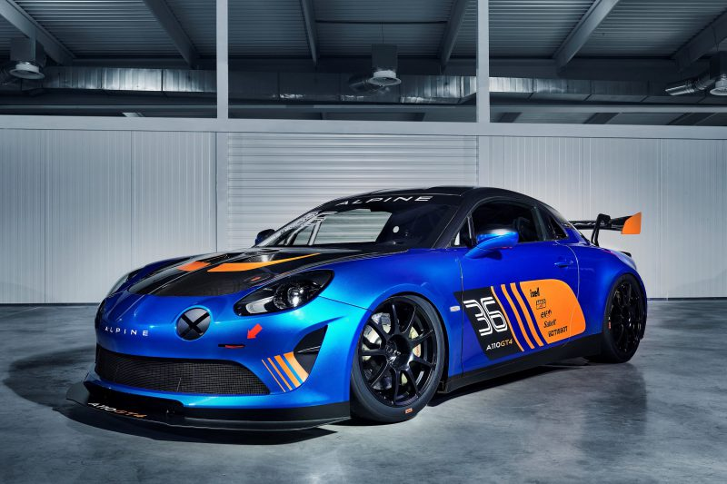 Alpine Üç Yeni Versiyonu İle Cenevre Uluslararası Otomobil Fuarı'nda