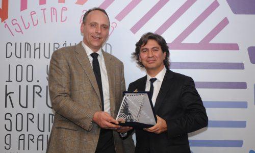 Renault'nun Sokakta İlk Adımlar Projesi İki Ödül Birden Kazandı