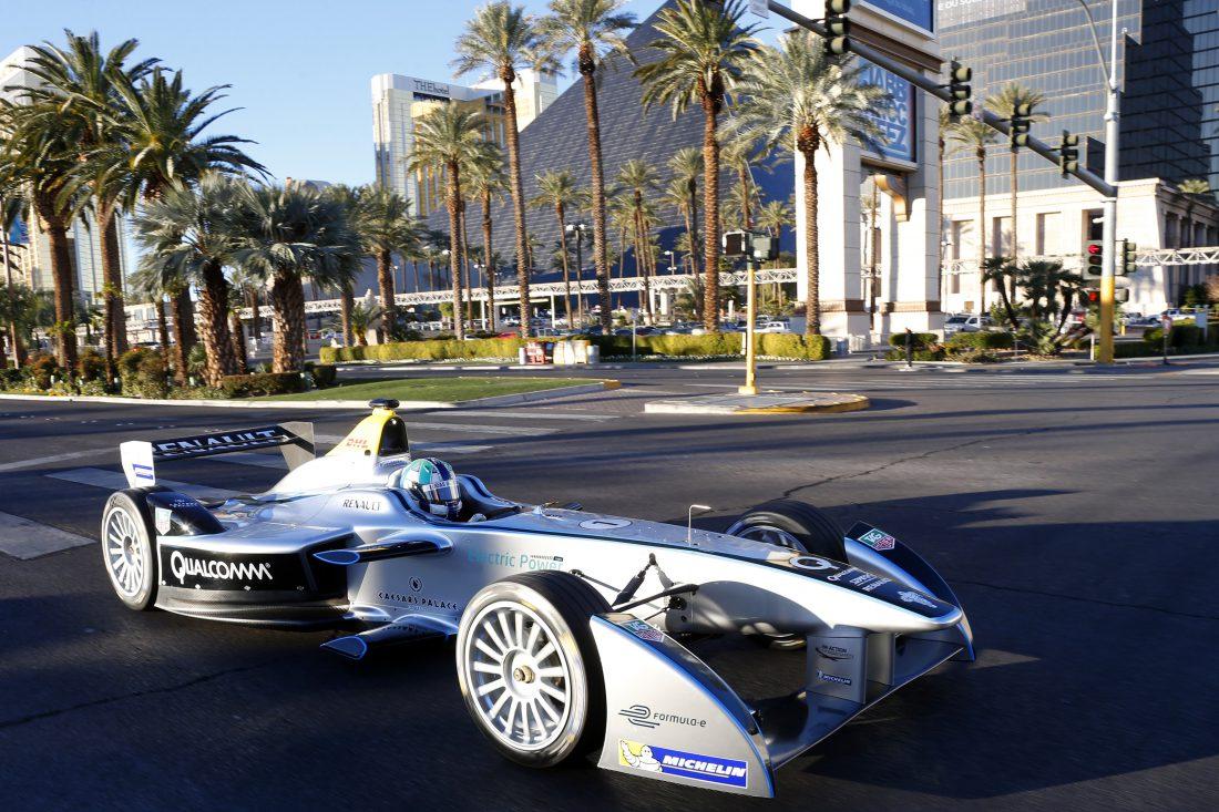 2014 – Renault Spark Las Vegas'ta İlk Resmi Sürüşte